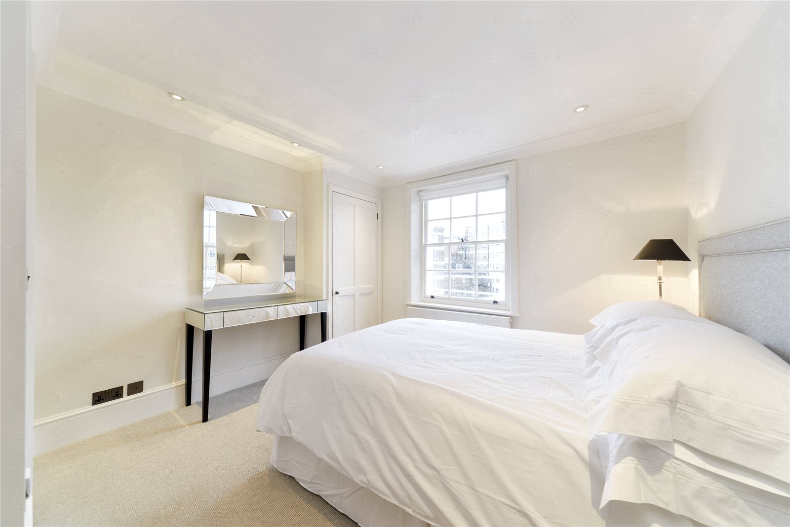 Additional photo for property listing at South Terrace, Knightsbridge, London, SW7 Knightsbridge, London, Anh Quốc