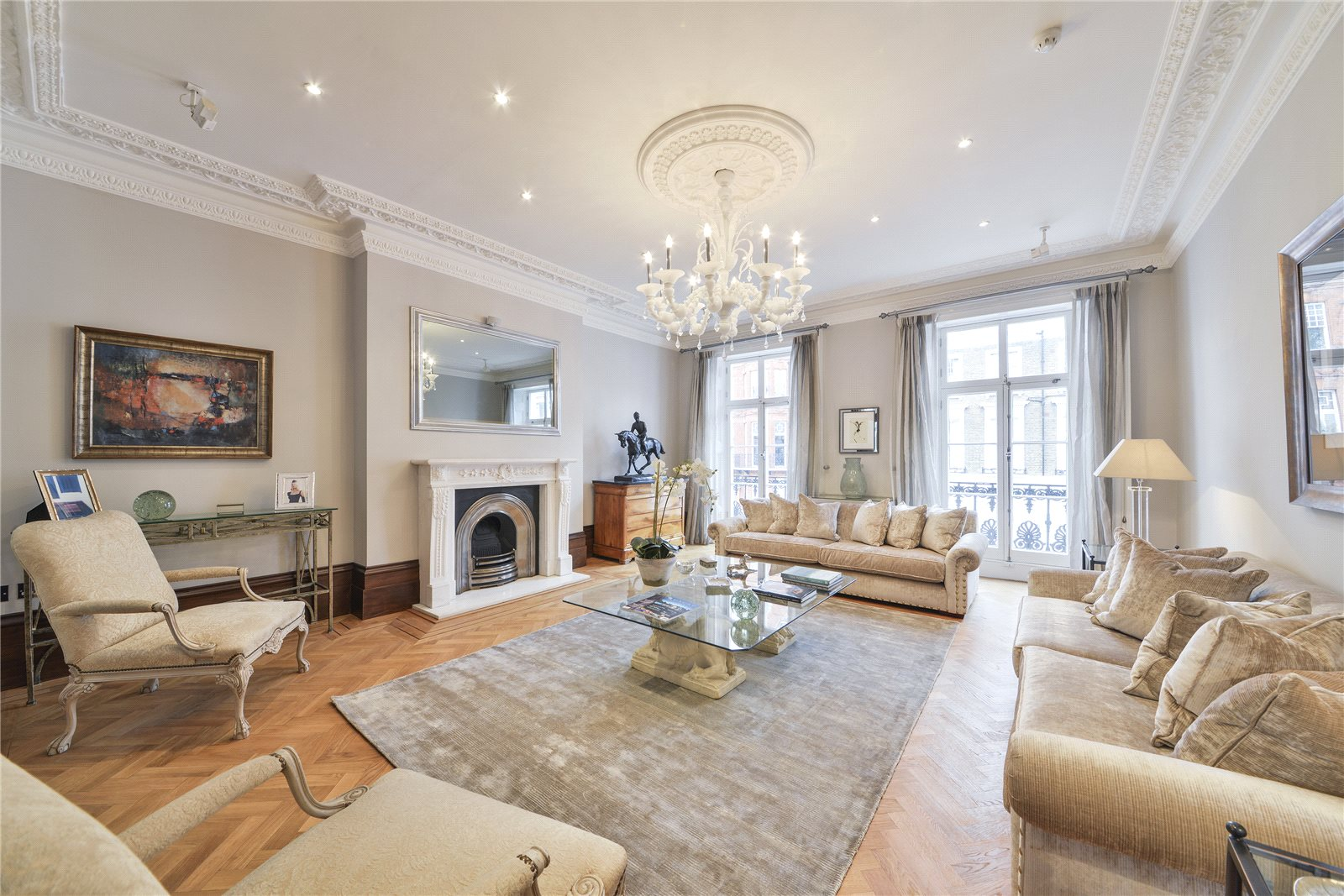 Single Family Home for Sale at Oakley Street, Chelsea, London, SW3 Chelsea, London, England