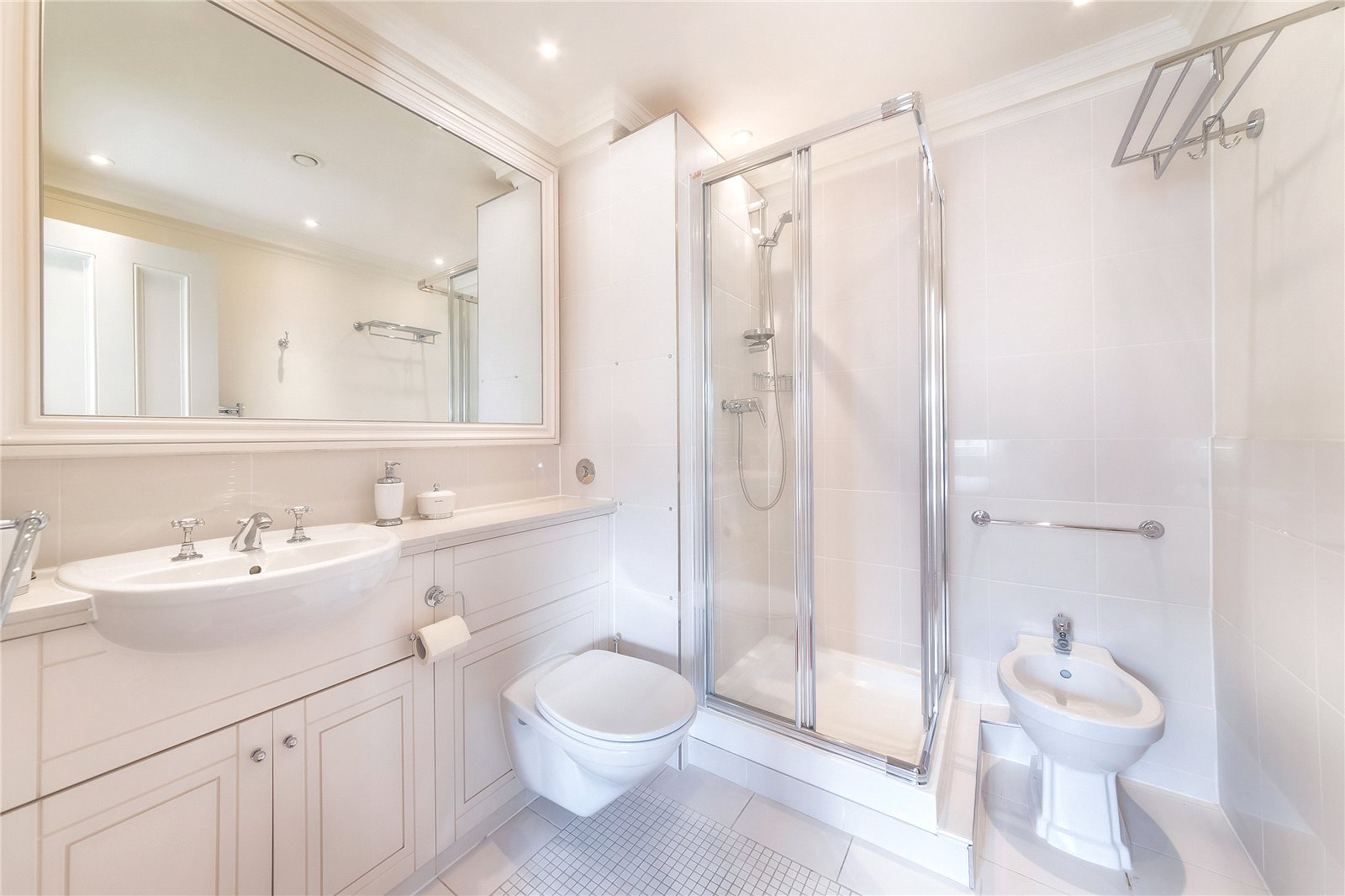 Additional photo for property listing at Wilton Street, London, SW1X London, England
