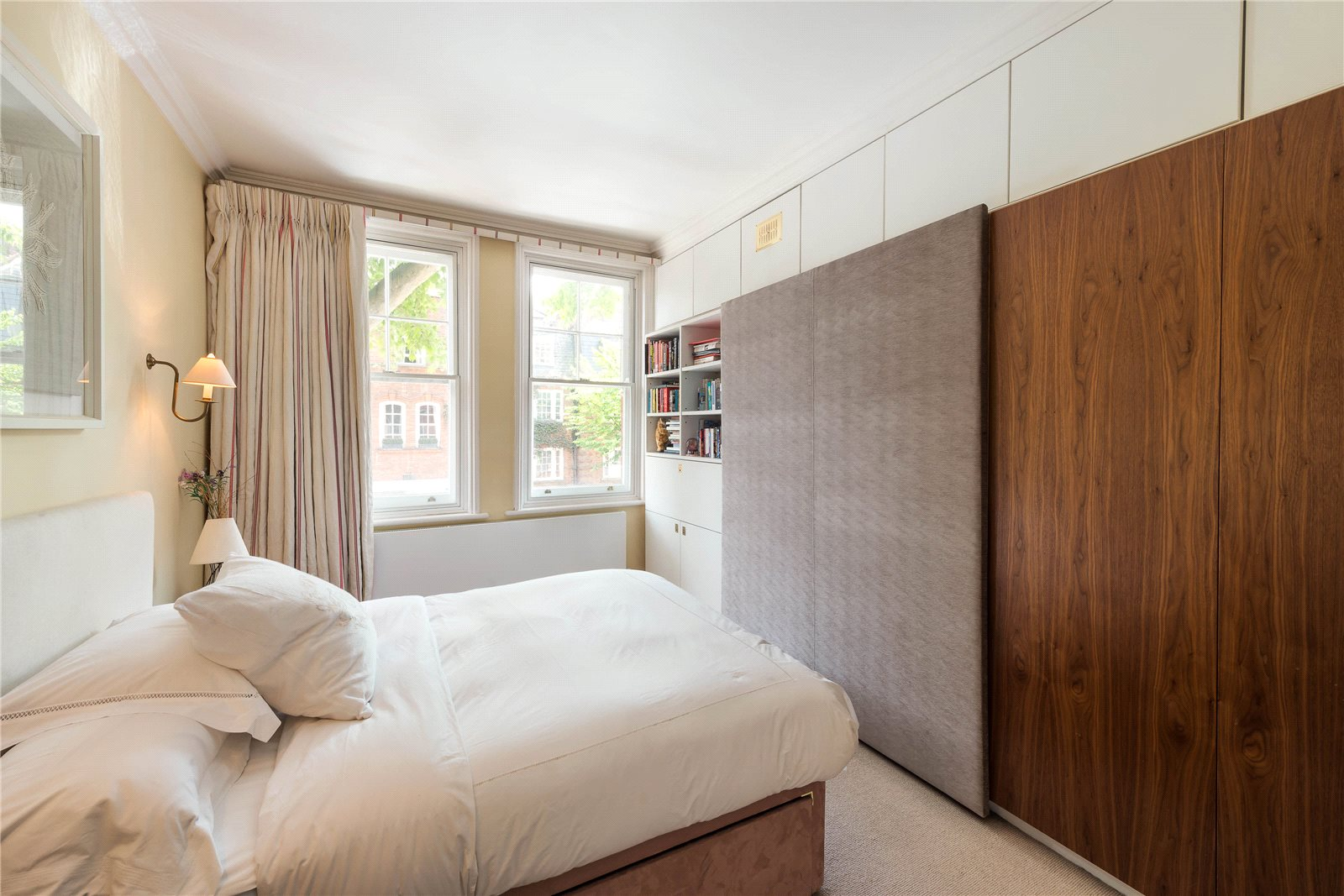 Additional photo for property listing at Cheyne Court, Royal Hospital Road, London, SW3 London, England