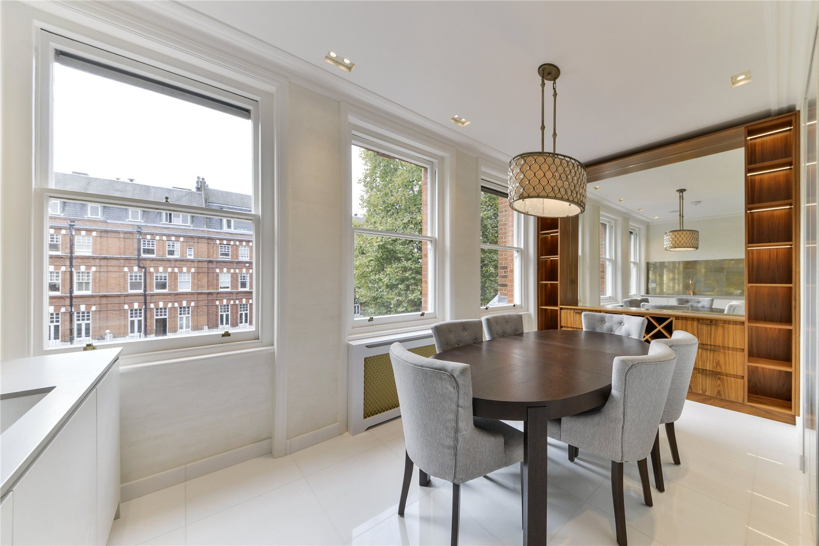 Additional photo for property listing at Cheyne Gardens, London, SW3 London, England