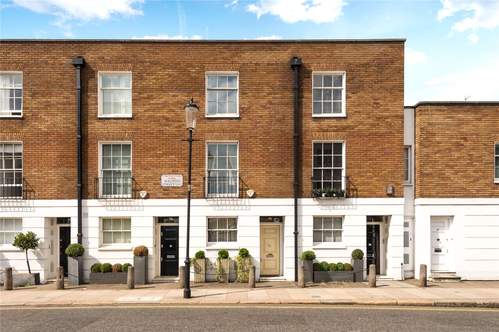 Additional photo for property listing at Walton Street, London, SW3 London, 영국