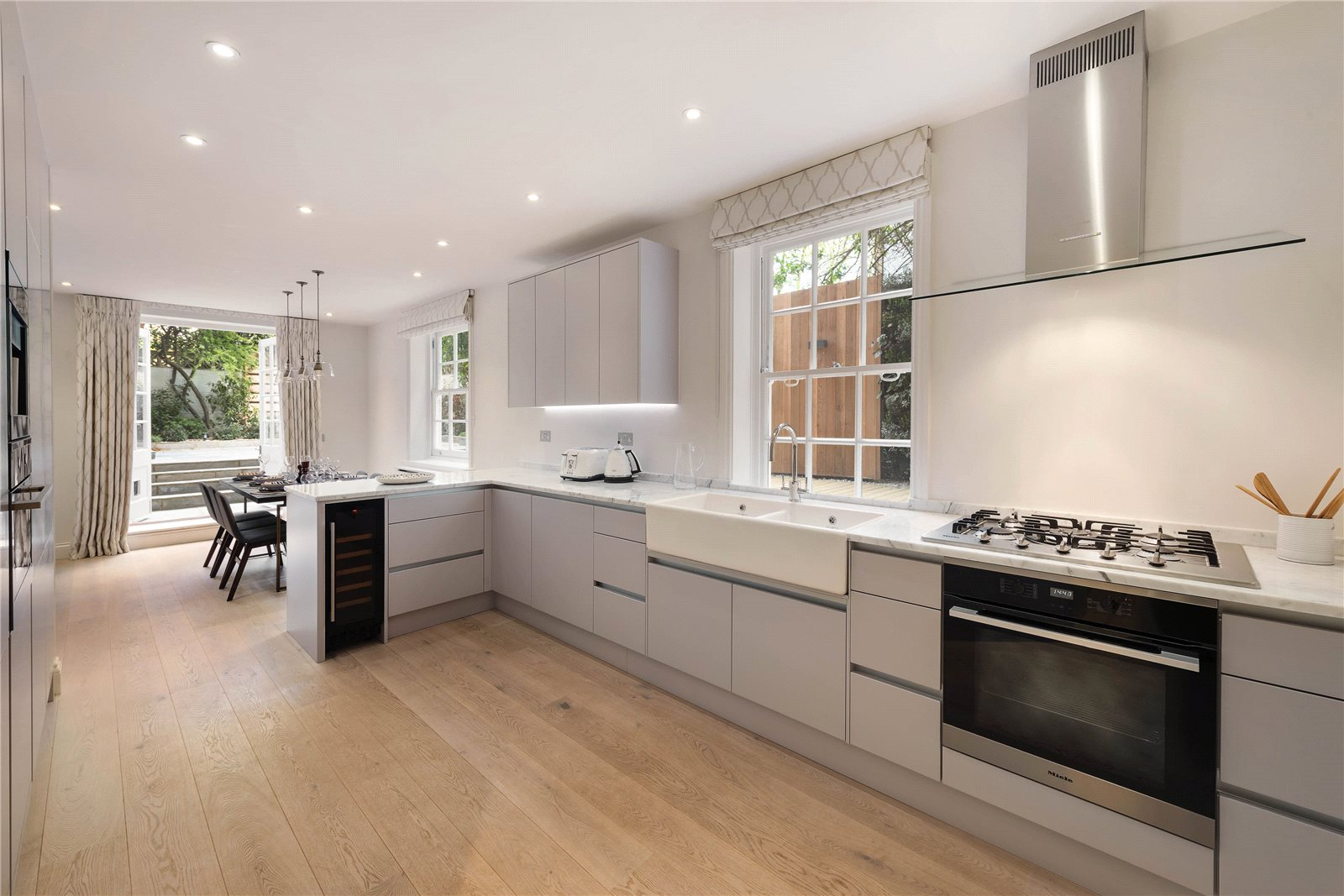 Additional photo for property listing at Malvern Court, Onslow Square, London, SW7 London, Angleterre