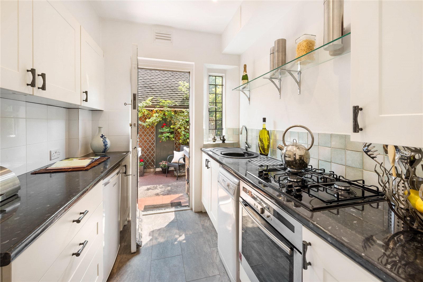 Additional photo for property listing at Whiteheads Grove, London, SW3 London, Inglaterra