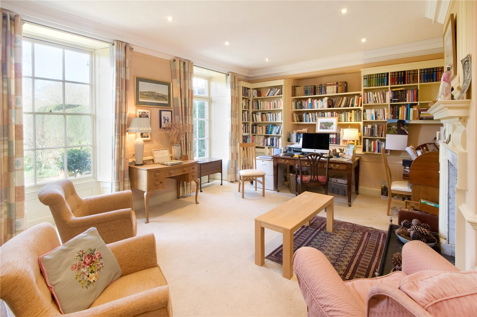 Additional photo for property listing at Malling Deanery, Church Lane, Lewes, East Sussex, BN7 Lewes, Inglaterra