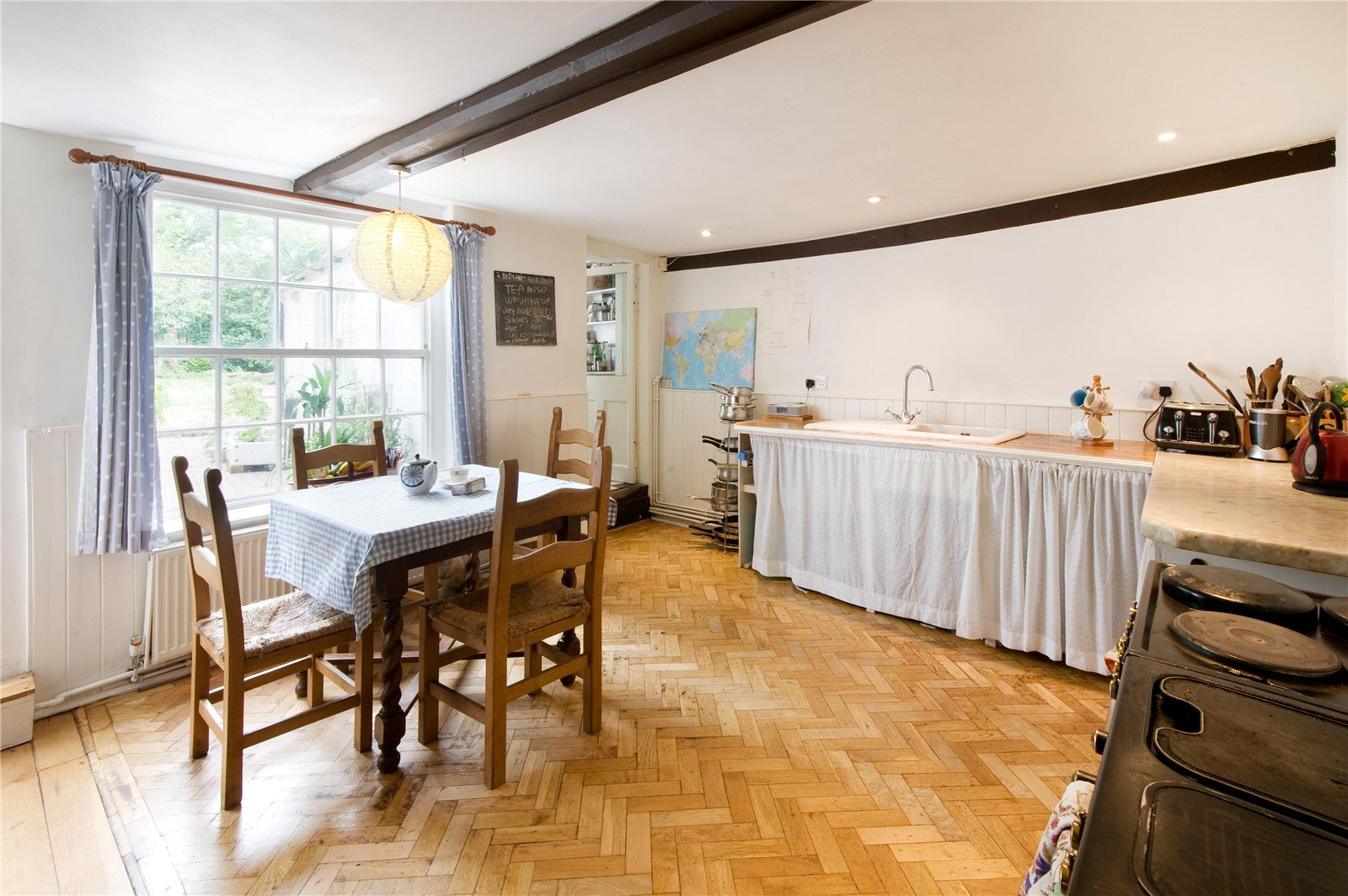 Additional photo for property listing at High Street, Lewes, East Sussex, BN7 Lewes, Angleterre