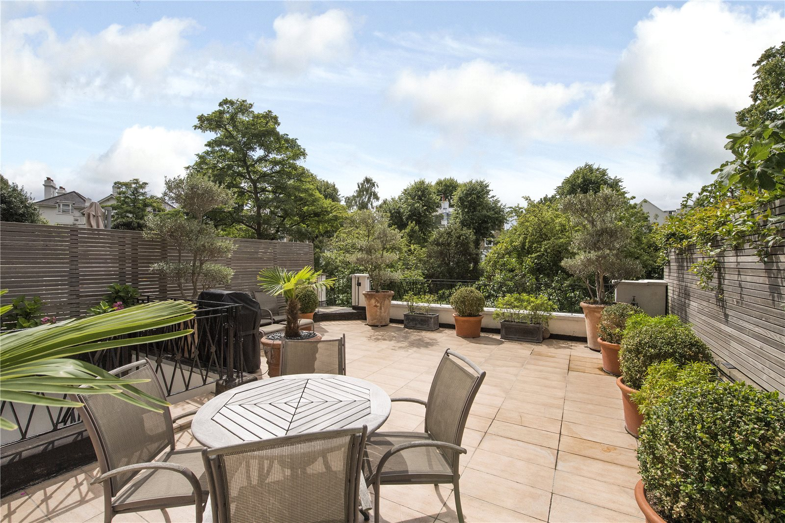 公寓 為 出售 在 Ladbroke Grove, Notting Hill, London, W11 Notting Hill, London, 英格蘭