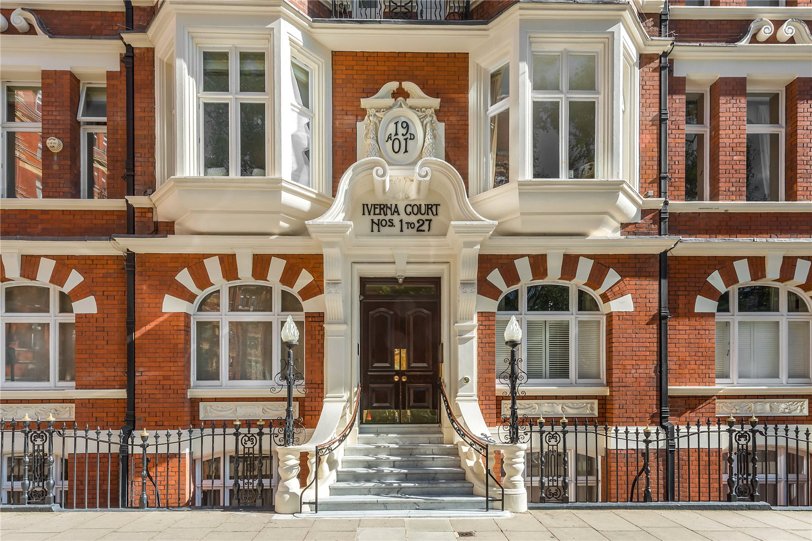 Additional photo for property listing at Iverna Court, Kensington, London, W8 Kensington, London, Inglaterra