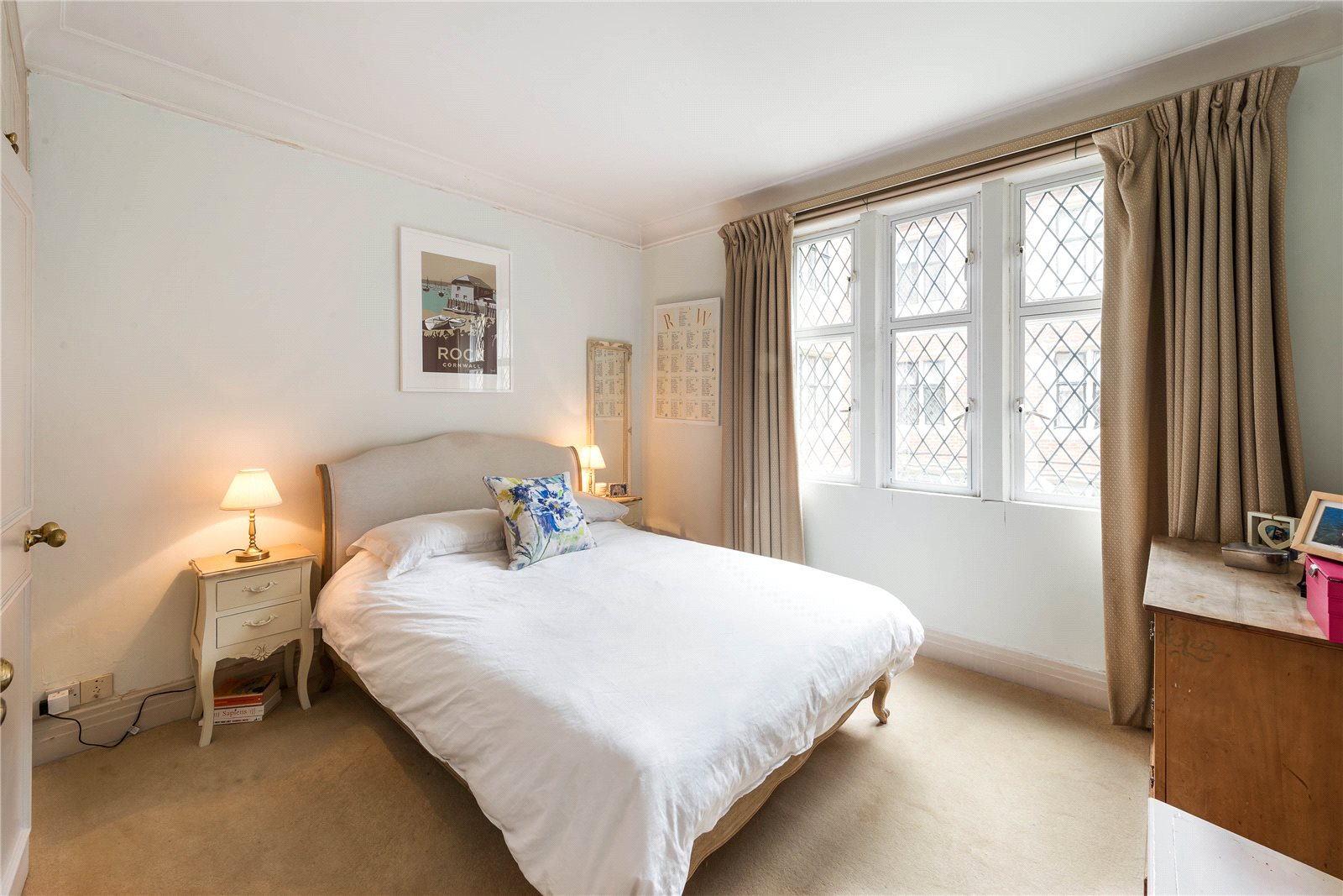 Additional photo for property listing at Church Close, Kensington Church Street, London, W8 London, Inghilterra
