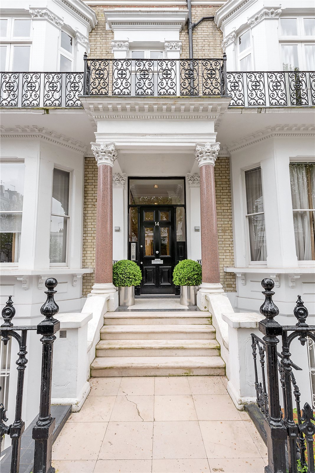Additional photo for property listing at Vicarage Gate, Kensington, London, W8 Kensington, London, 英格兰