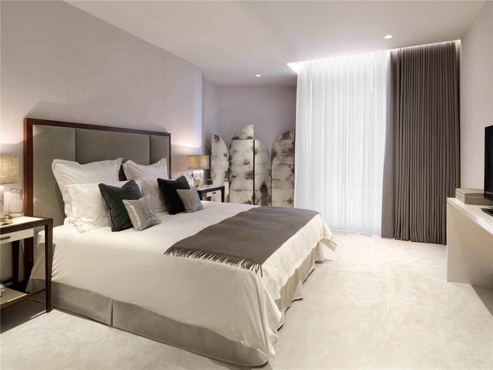 Additional photo for property listing at Kings Gate, London, SW1E London, England