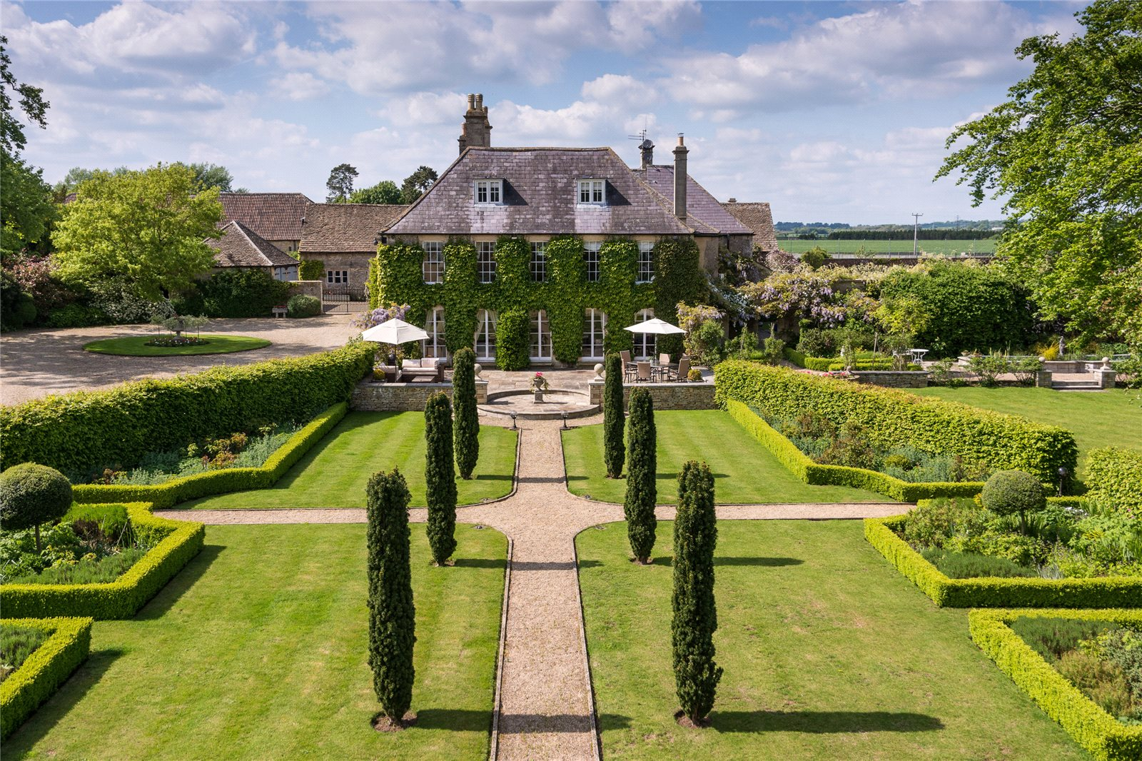 Leigh road holt trowbridge wiltshire ba14 a luxury for Manors for sale in usa