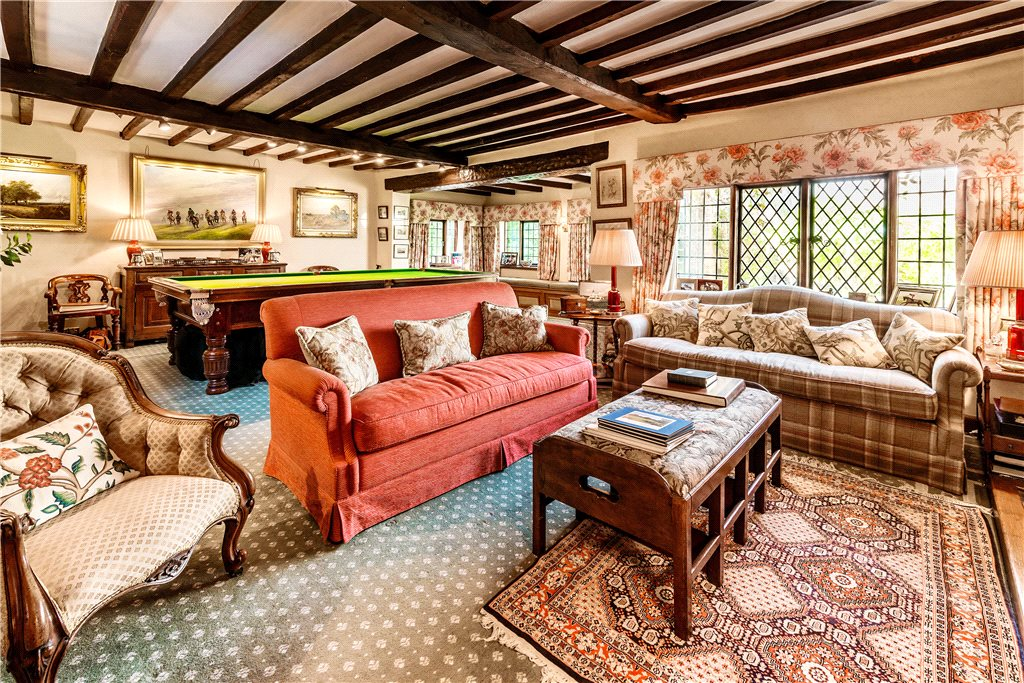 Additional photo for property listing at Trumpet Hill Road, Reigate, Surrey, RH2 Reigate, 英格蘭