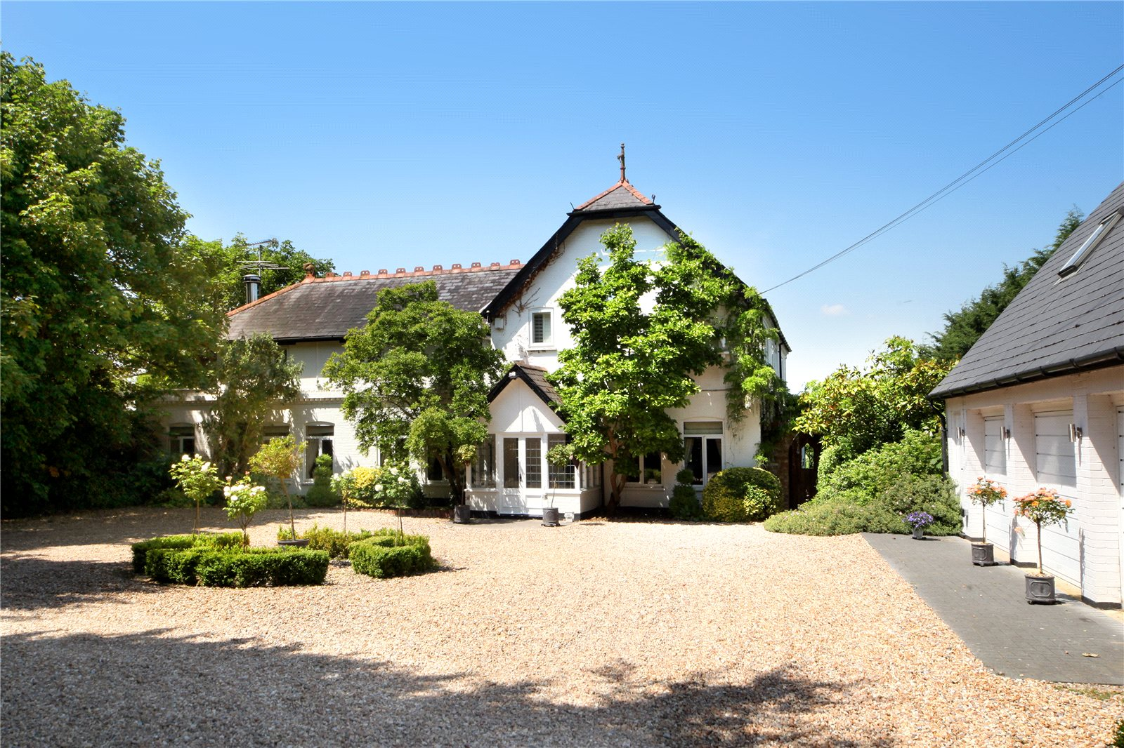 Additional photo for property listing at North Street, Winkfield, Windsor, Berkshire, SL4 Windsor, Англия