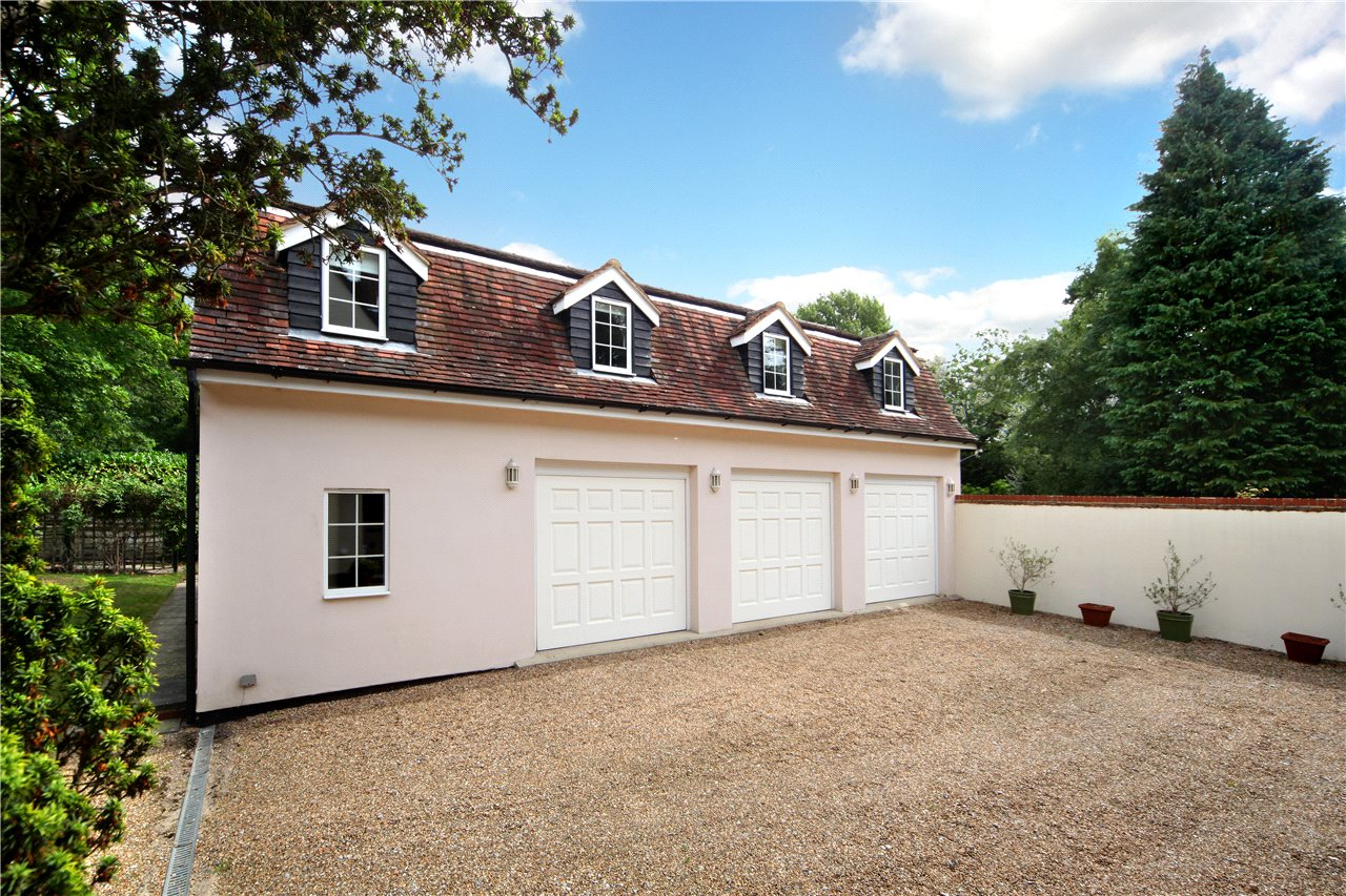 Additional photo for property listing at London Road, Windlesham, Surrey, GU20 Windlesham, Angleterre