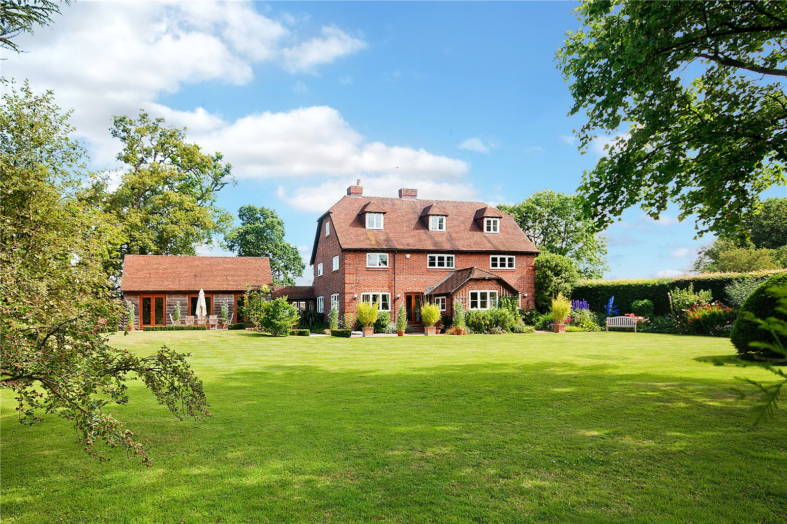 Additional photo for property listing at Scarletts Lane, Hare Hatch, Berkshire, RG10 Hare Hatch, Angleterre