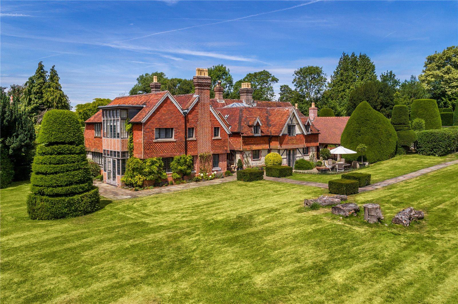 Частный дом для того Продажа на East Harting, Petersfield, Hampshire, GU31 Petersfield, England