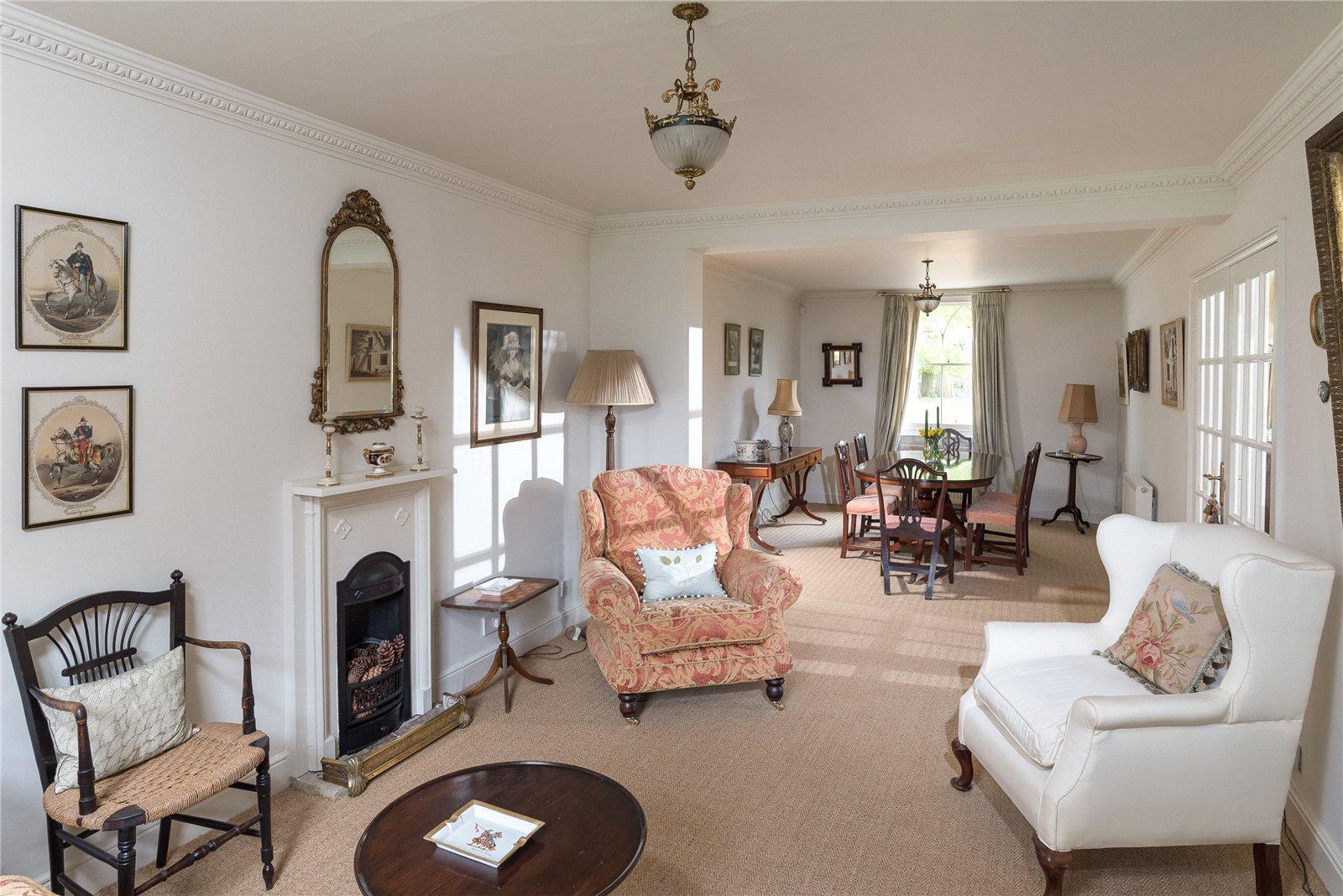 Additional photo for property listing at High Street, Seend, Melksham, Wiltshire, SN12 Melksham, Ingiltere