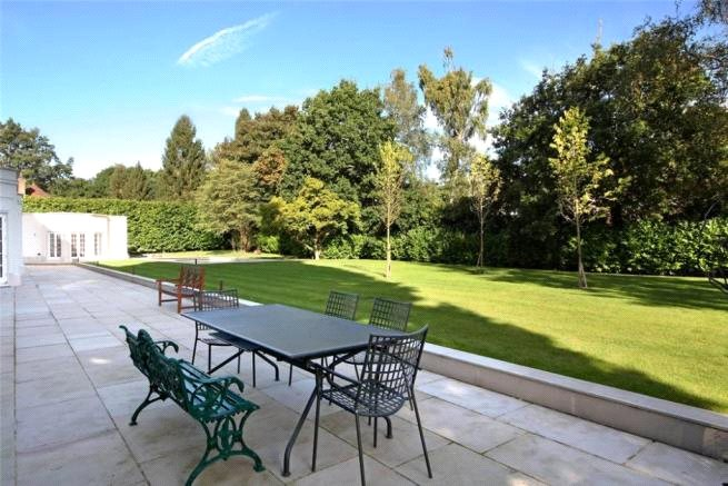 Additional photo for property listing at Waverley Drive, Wentworth, Virginia Water, Surrey, GU25 Virginia Water, Inglaterra