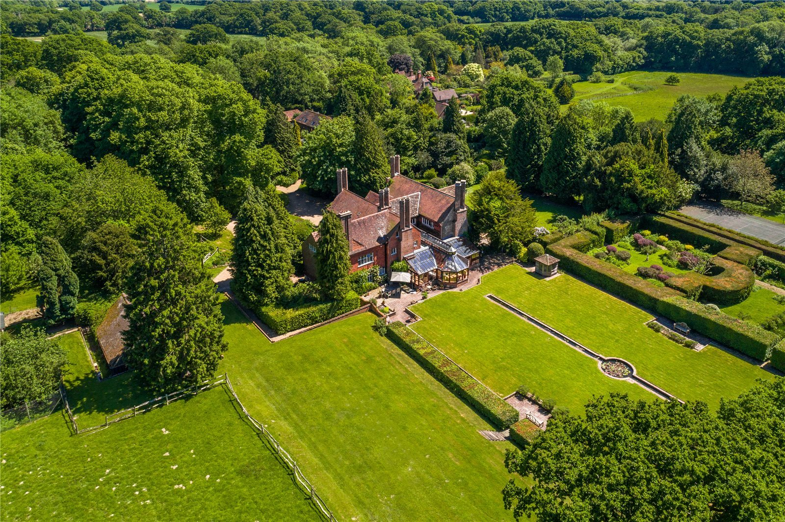 Villa per Vendita alle ore Cuckfield Road (Lot 1), Ansty, Haywards Heath, West Sussex, RH17 Haywards Heath, Inghilterra