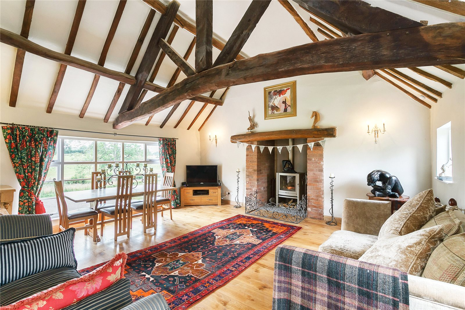 Additional photo for property listing at Oldwood Common, Tenbury Wells, Worcestershire, WR15 Tenbury Wells, Angleterre
