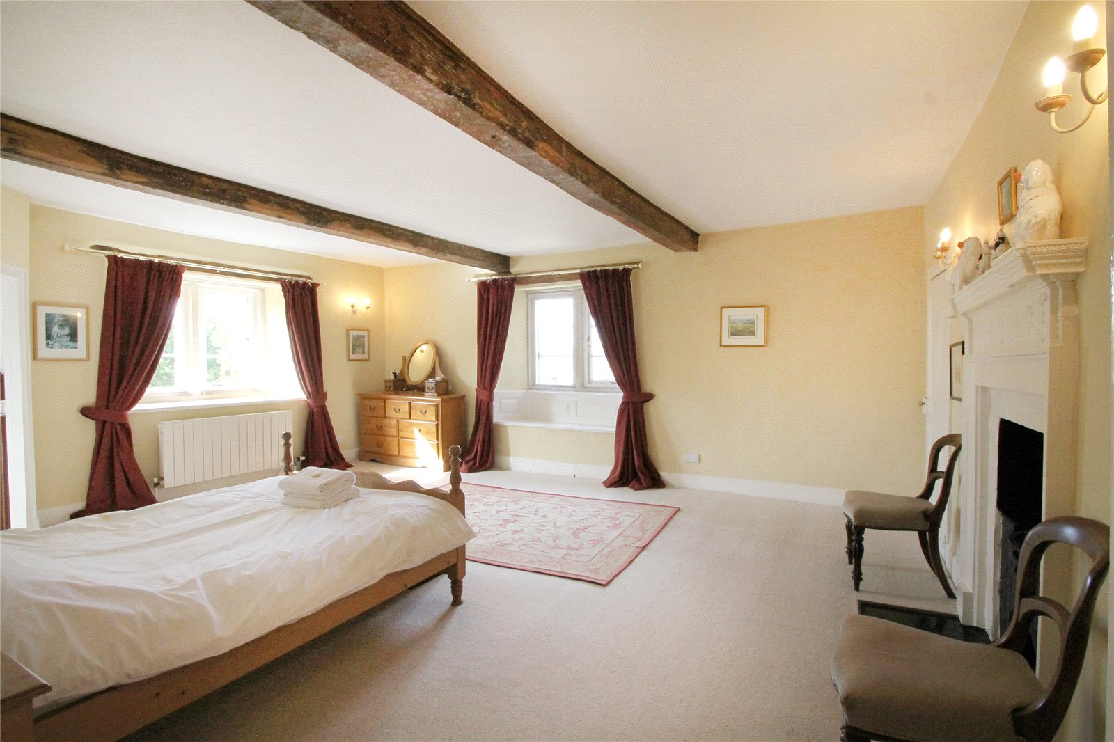Additional photo for property listing at Market Place, Folkingham, Sleaford, Lincolnshire, NG34 Sleaford, Ingiltere