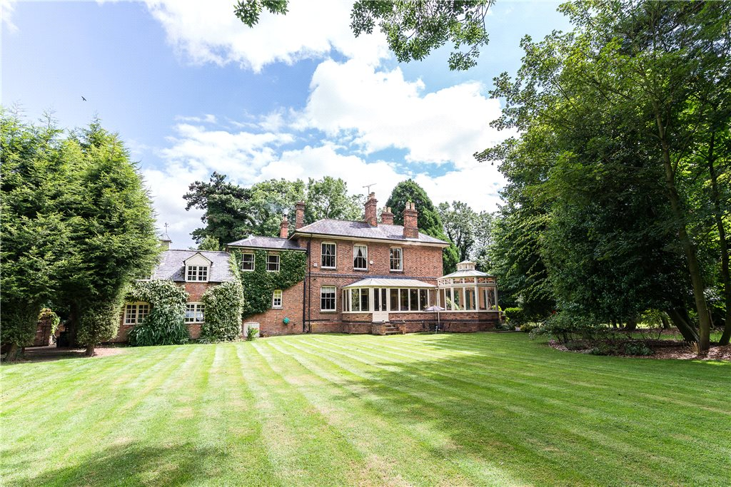 Additional photo for property listing at Mill Lane, Blaby, Leicester, Leicestershire, LE8 Leicester, England