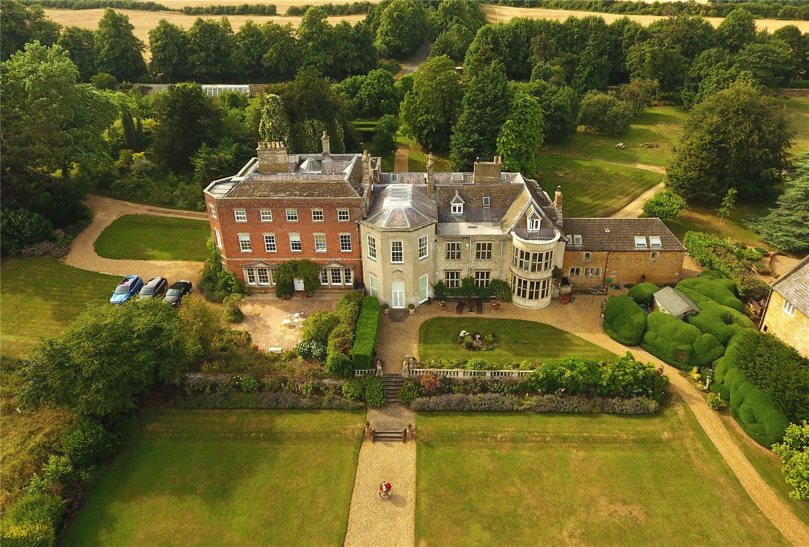 Maison unifamiliale pour l Vente à Glendon Hall, Glendon, Kettering, Northamptonshire, NN14 Kettering, Angleterre