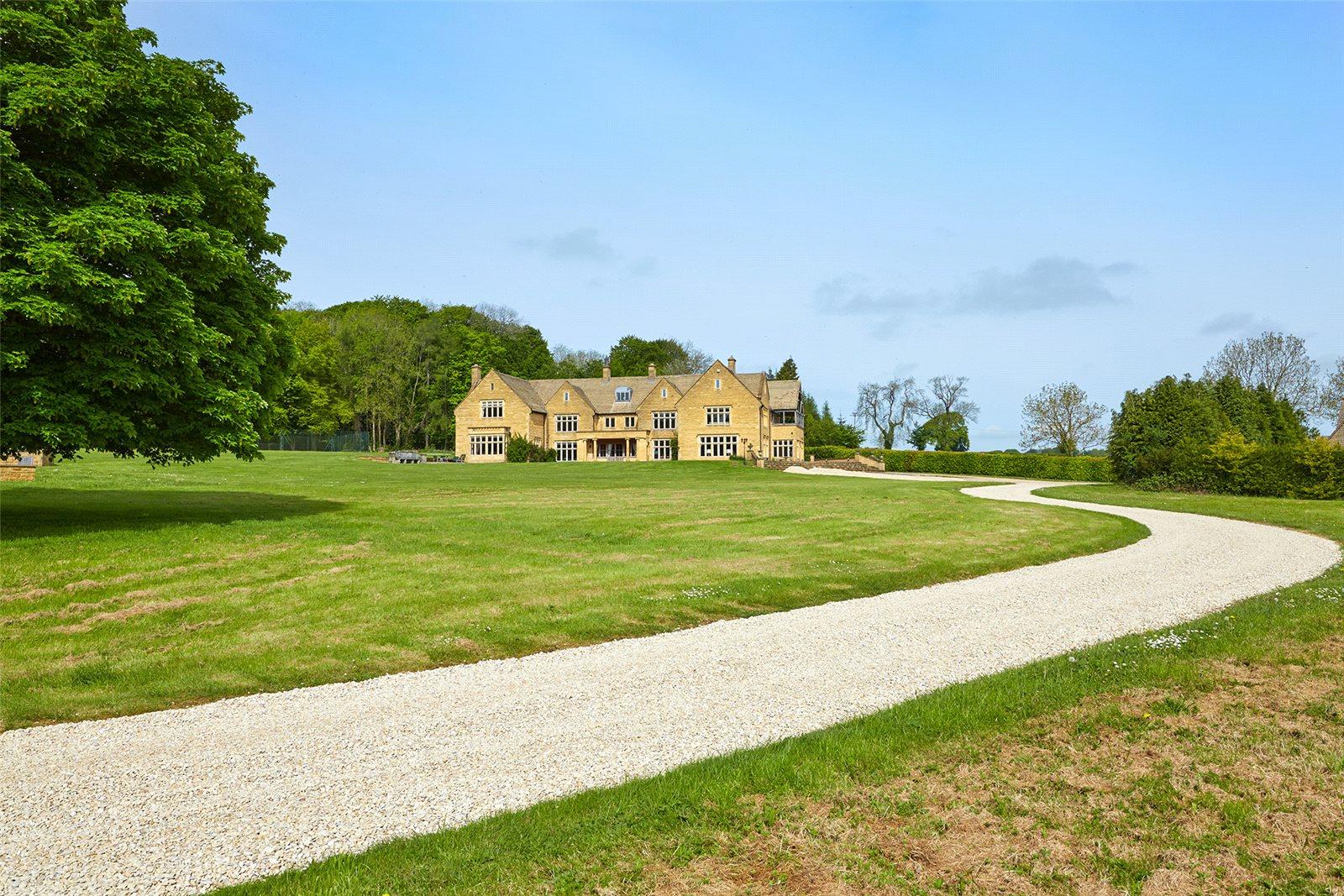 独户住宅 为 销售 在 Ganborough Road, Longborough, Moreton-in-Marsh, Gloucestershire, GL56 Moreton In Marsh, 英格兰