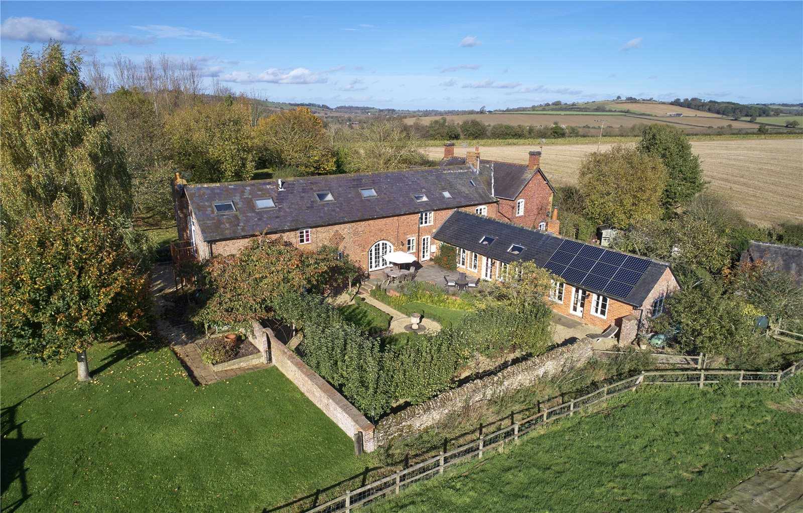 Single Family Home for Sale at Stourton, Shipston-on-Stour, Warwickshire, CV36 Shipston On Stour, England