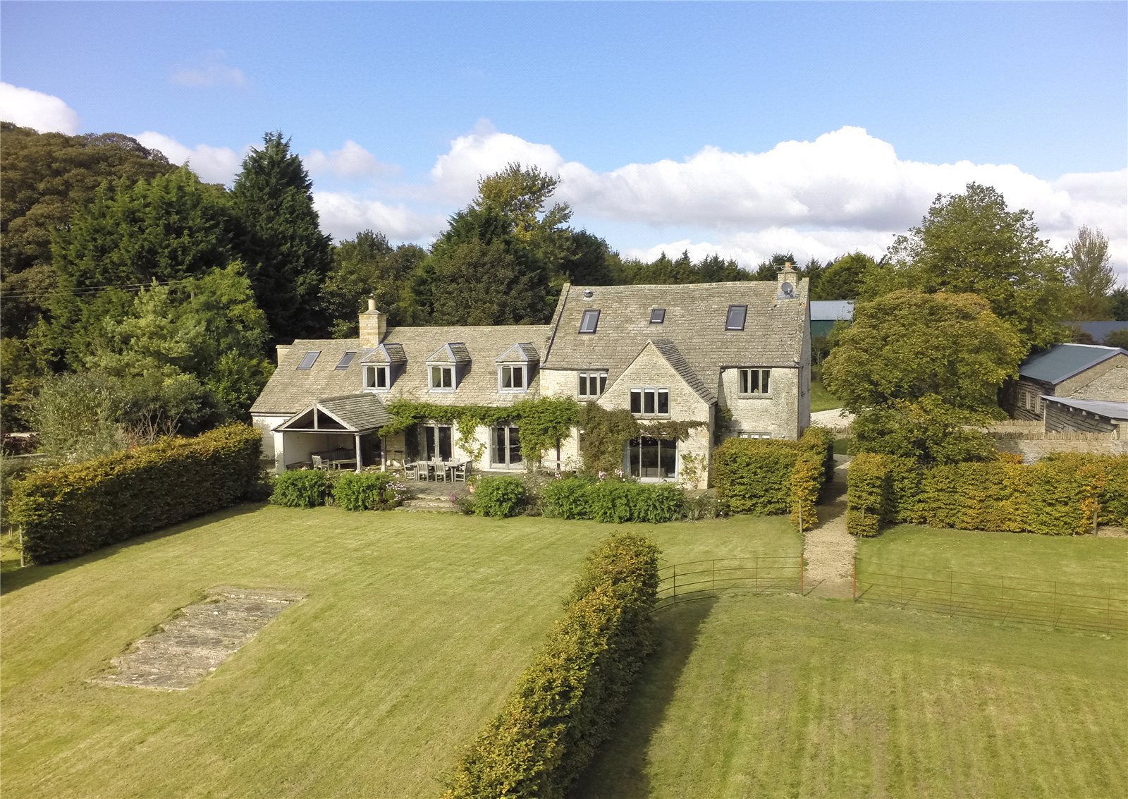 Single Family Home for Sale at Bourton-on-the-Water, Cheltenham, Gloucestershire, GL54 Cheltenham, England