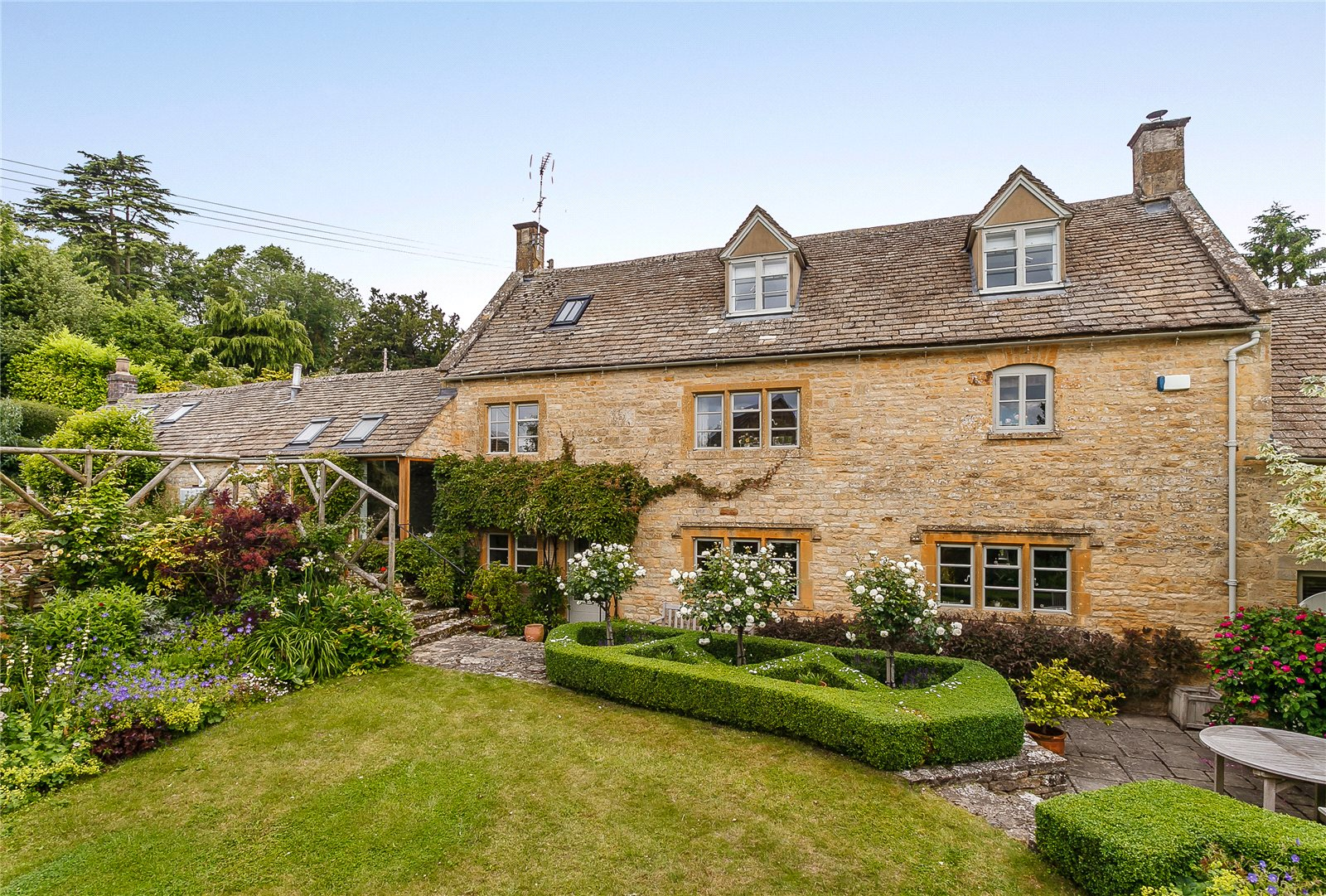 一戸建て のために 売買 アット Banks Fee Lane, Longborough, Moreton-in-Marsh, Gloucestershire, GL56 Moreton In Marsh, イギリス