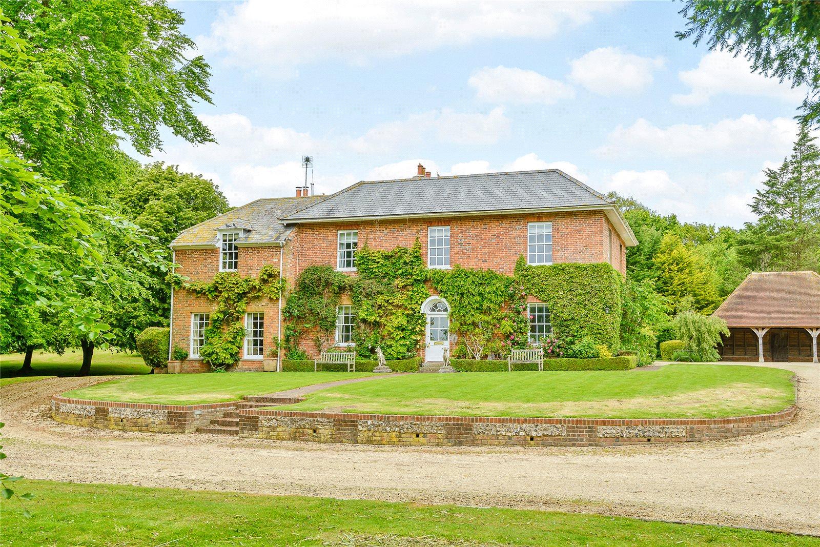 Strutt parker newbury luxury real estate agents in for Berkshire house