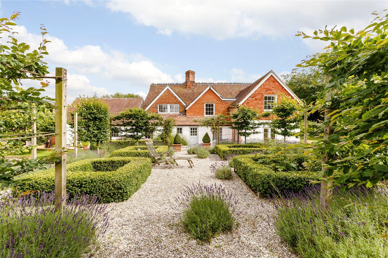 Casa para uma família para Venda às Gore End, Newbury, Berkshire, RG20 Newbury, Inglaterra
