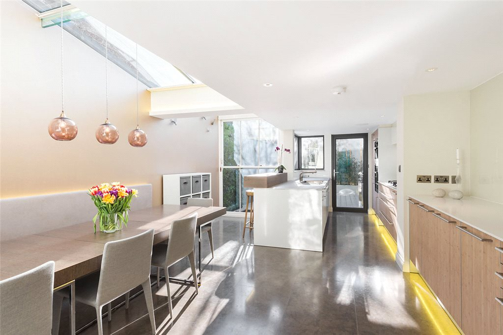 Additional photo for property listing at Ladbroke Road, Notting Hill, London, W11 Notting Hill, London, England