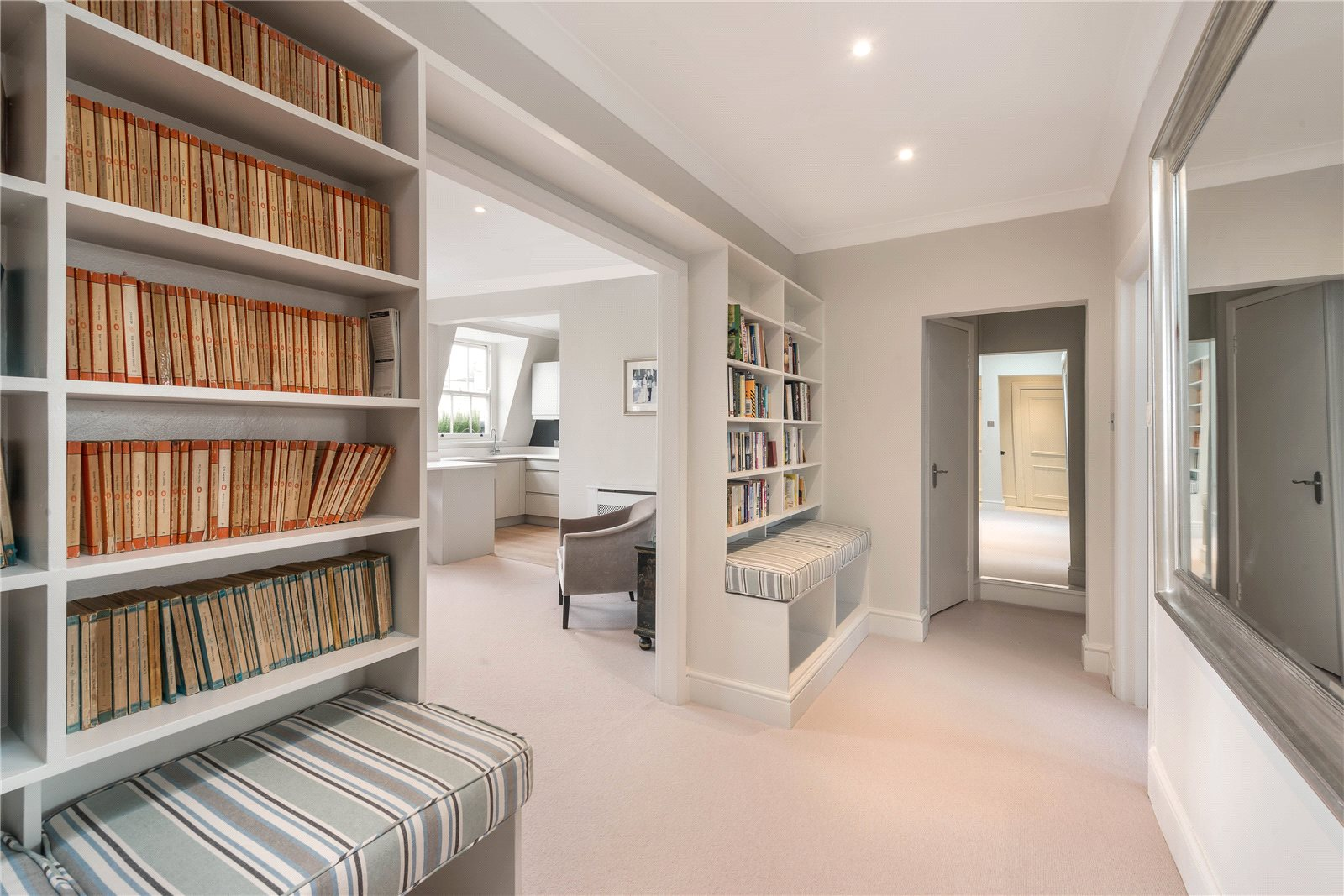 Additional photo for property listing at Kensington Park Gardens, London, W11 London, Англия