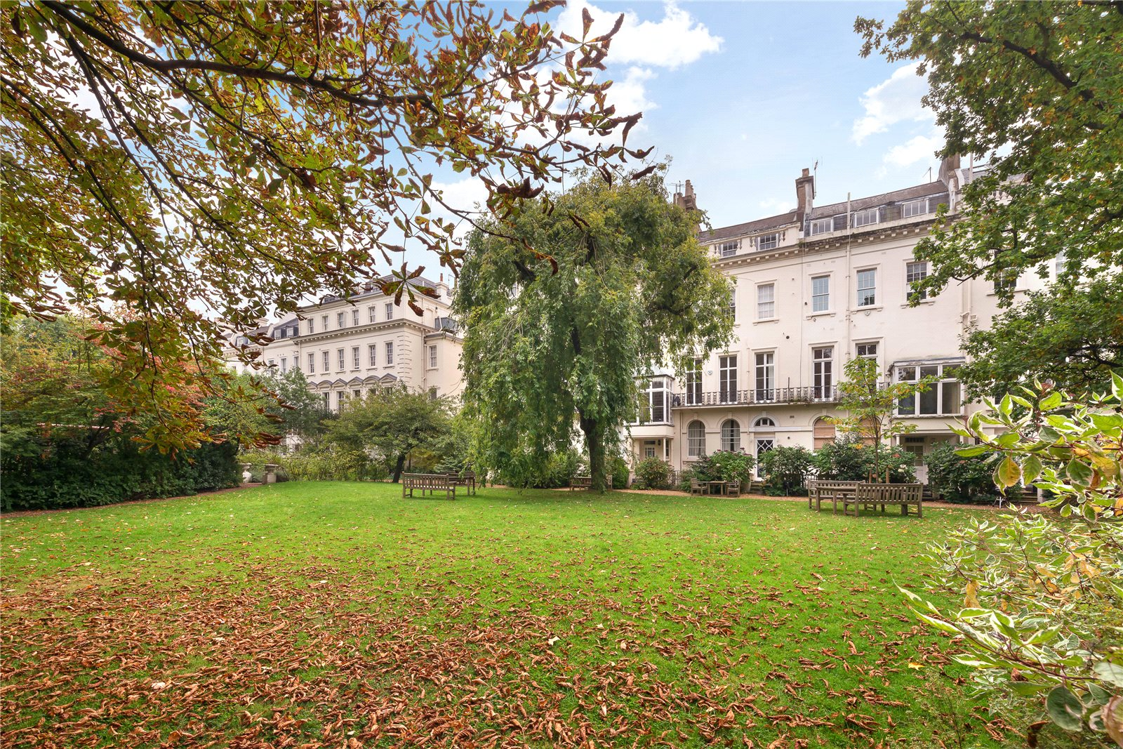 Additional photo for property listing at Kensington Park Gardens, London, W11 London, Inglaterra