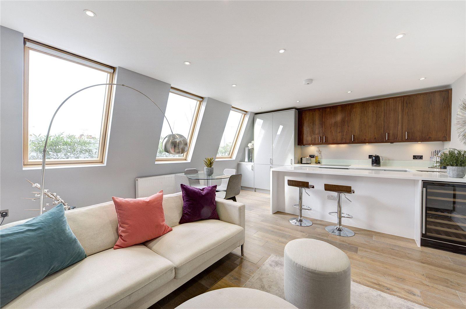 Wohnung für Verkauf beim St. Lukes Road, London, W11 London, England