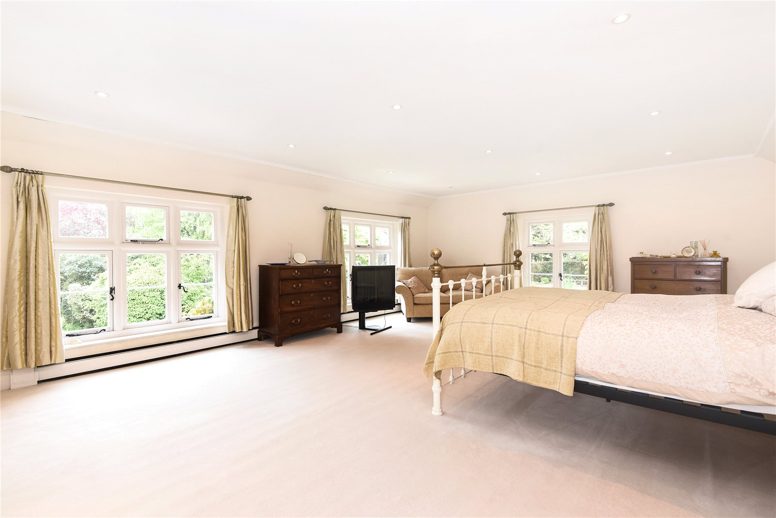 Additional photo for property listing at Church Lane, Barford, Norwich, NR9 Norwich, England