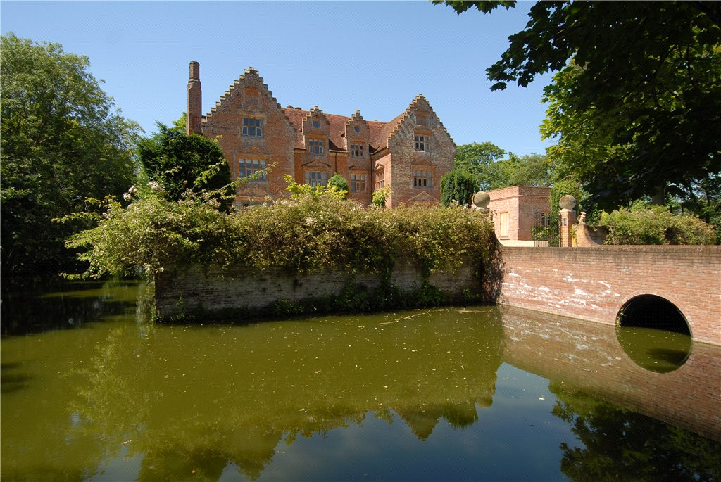 Additional photo for property listing at Morley St. Peter, Wymondham, Norfolk, NR18 Wymondham, England