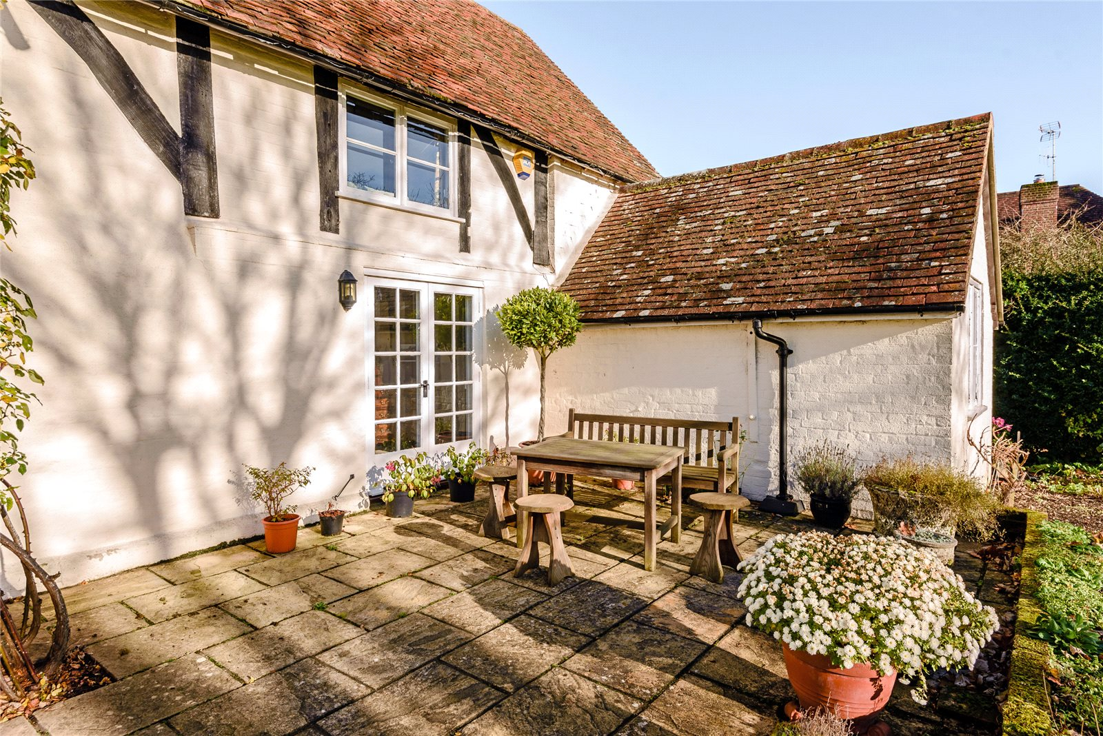 Additional photo for property listing at The Street, Rotherwick, Hook, Hampshire, RG27 Hook, Inglaterra