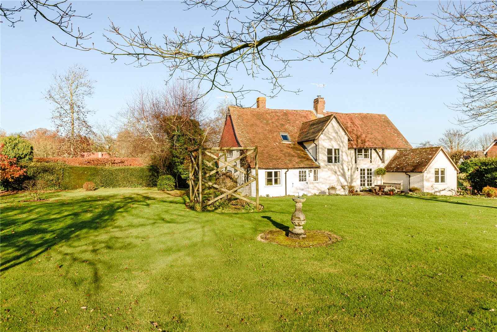 Additional photo for property listing at The Street, Rotherwick, Hook, Hampshire, RG27 Hook, Angleterre