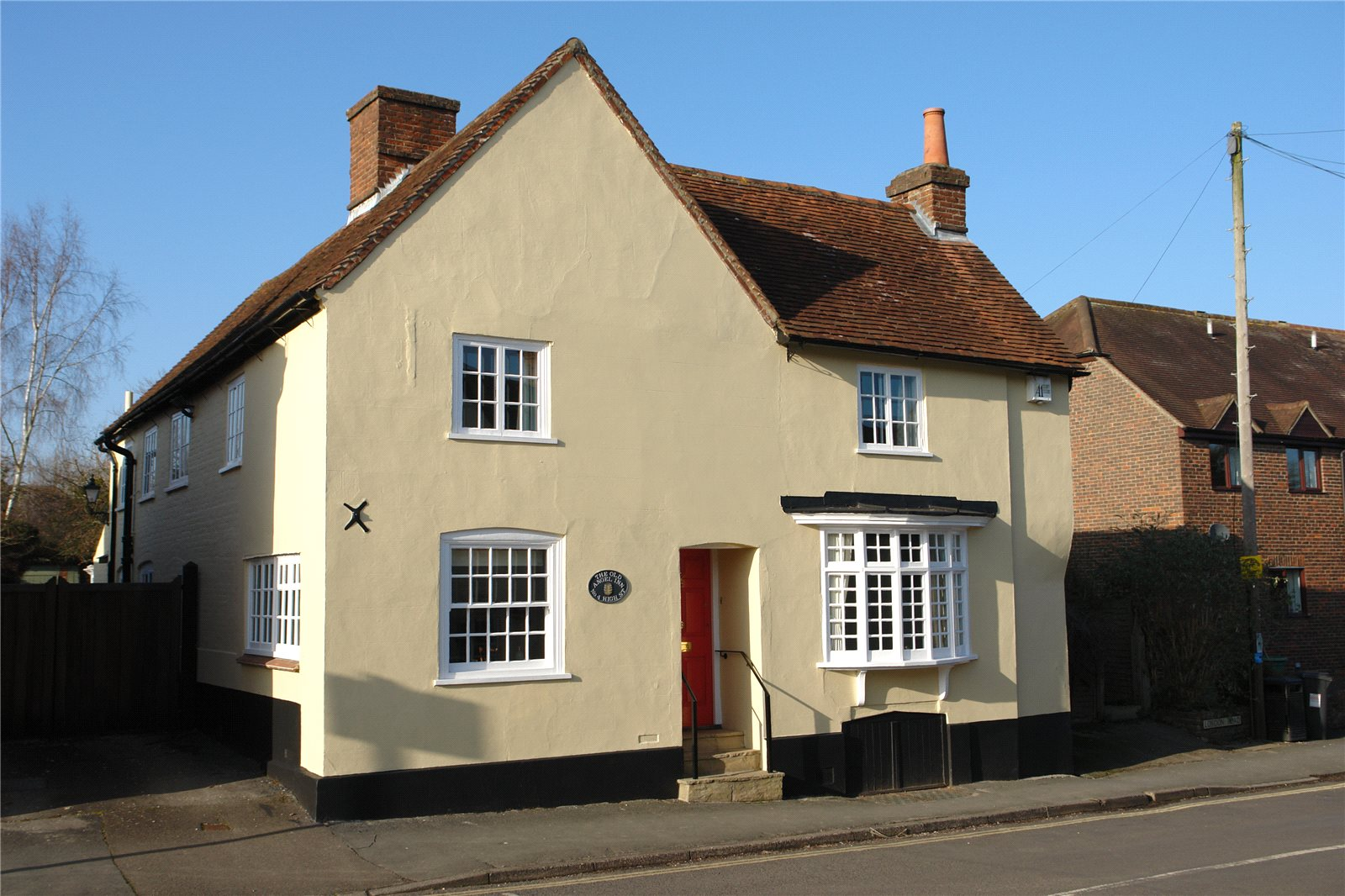 Additional photo for property listing at High Street, Odiham, Hook, Hampshire, RG29 Hook, Angleterre
