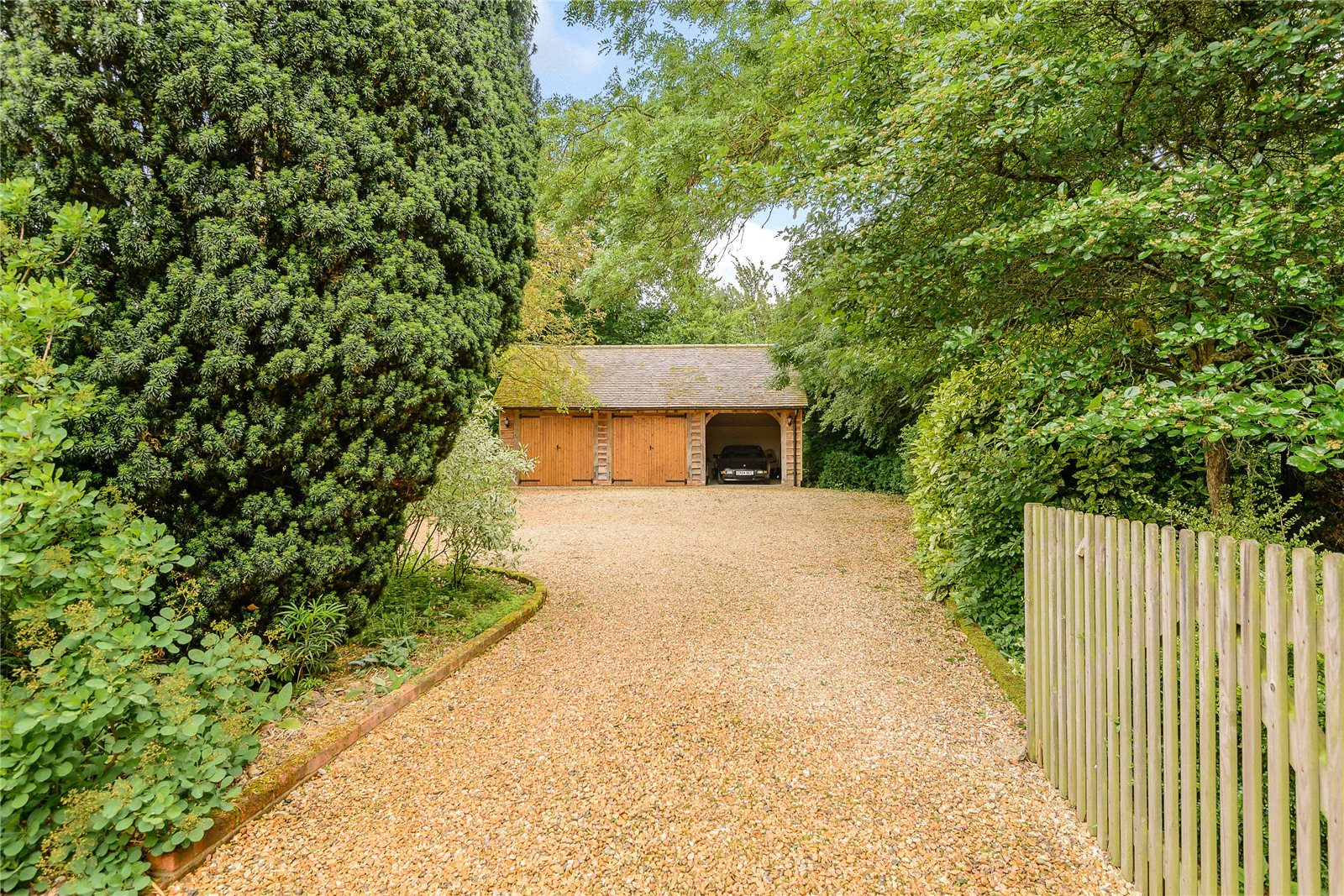 Additional photo for property listing at Hook Road, North Warnborough, Hook, Hampshire, RG29 Hook, Angleterre