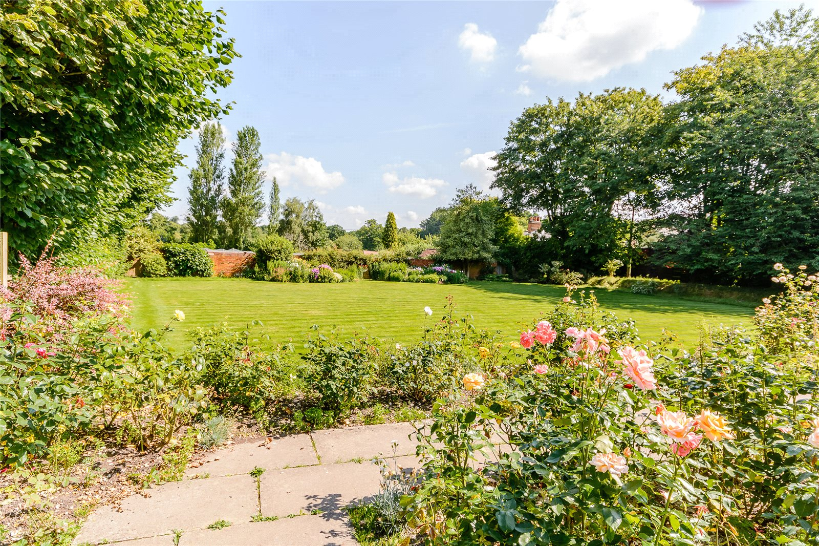 Additional photo for property listing at Thackhams Lane, Hartley Wintney, Hampshire, RG27 Hartley Wintney, Inghilterra