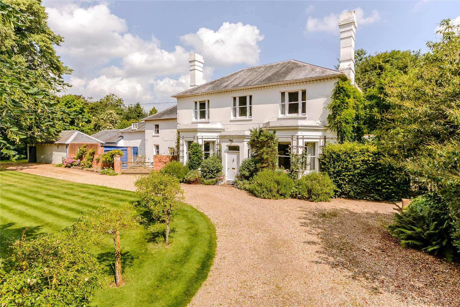 Villa per Vendita alle ore Thackhams Lane, Hartley Wintney, Hampshire, RG27 Hartley Wintney, Inghilterra
