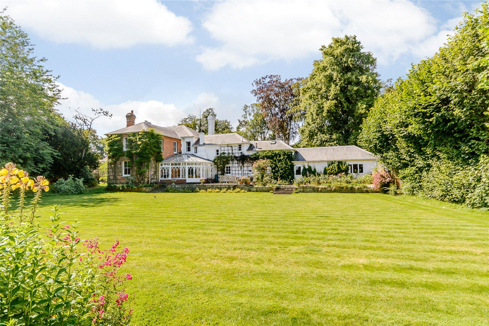 Additional photo for property listing at Thackhams Lane, Hartley Wintney, Hampshire, RG27 Hartley Wintney, England