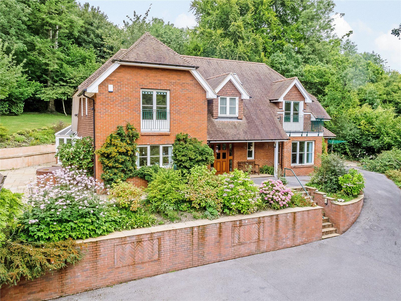 단독 가정 주택 용 매매 에 Medstead Road, Beech, Alton, Hampshire, GU34 Alton, 영국