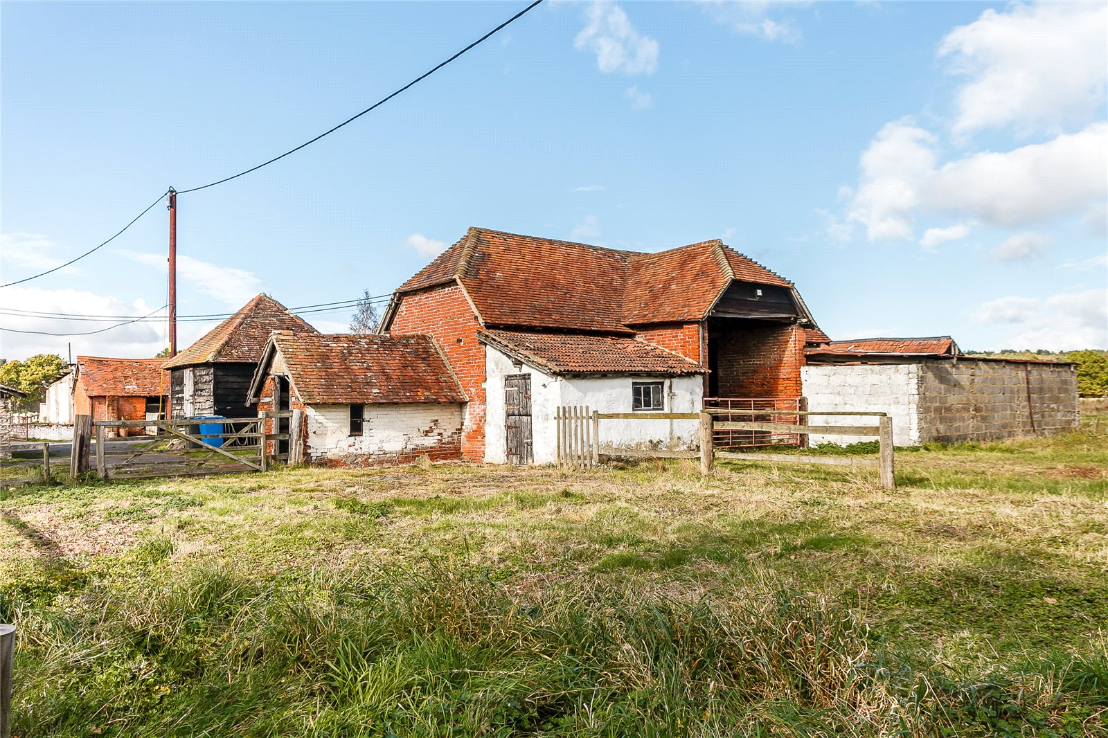 Additional photo for property listing at Minley Road, Minley, Fleet, Hampshire, GU51 Fleet, England