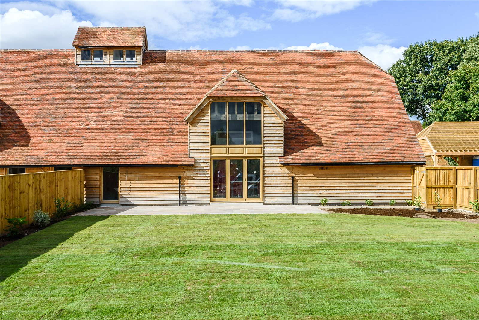 Single Family Home for Sale at The Street, Greywell, Hook, Hampshire, RG29 Hook, England